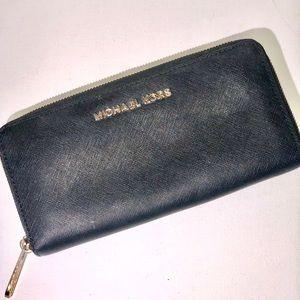 MK~ Michael Kors ~ Saffiano Black Leather Wallett